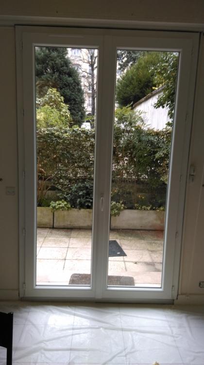 Pose et remplacement de fen tres baie vitr e pvc alu bois for Pose porte fenetre renovation